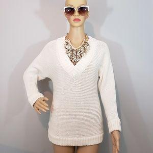 NWOT Joe Fresh White Chunky Fitted V- Neck.Sweater